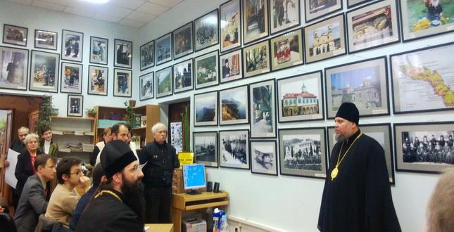 У Голосіївському районі міста Києва триває виставка фоторобіт Костаса Асіміса «Наш Афон»